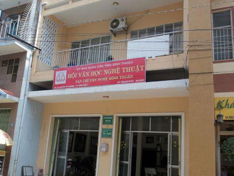 Dua UBND tinh Binh Thuan vao 'nguyen don dan su' vu an tai Hoi VHNT - Anh 1