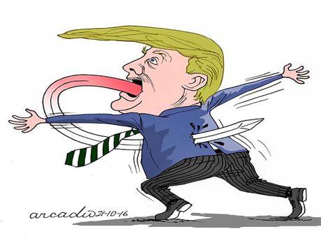 Ba Clinton dang gia tang cach biet so voi ong Trump - Anh 1