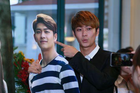 Kang Tae Oh: 'Nha Phuong hon thieu chuyen nghiep' - Anh 1