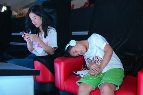 Thi sinh The Voice Kids met moi tap luyen cho dem chung ket - Anh 1