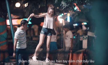 Erik tung MV 'Sau tat ca' phien ban song ca ngot ngao - Anh 1