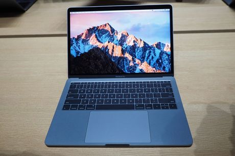 Can canh ve dep cua MacBook Pro 2016 - Anh 10