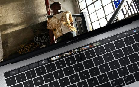 Can canh ve dep cua MacBook Pro 2016 - Anh 23