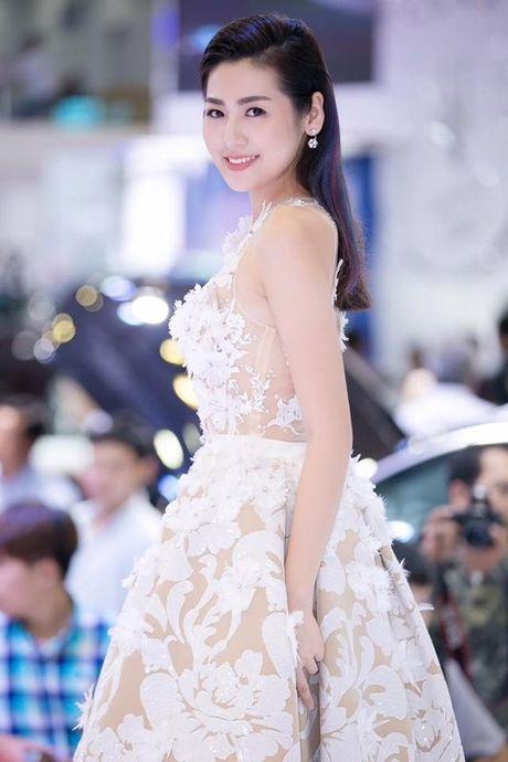 Noo Phuoc Thinh - a hau Tu Anh quan quyt nhu tinh nhan - Anh 5