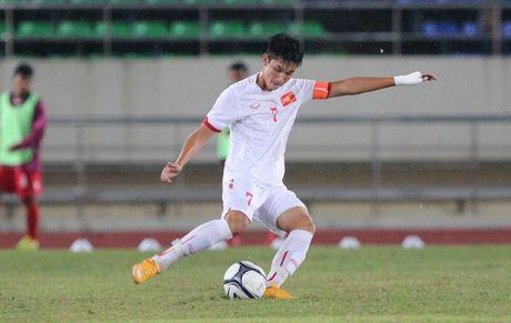 Doi truong U19 Viet Nam gui loi xin loi nguoi ham mo - Anh 1