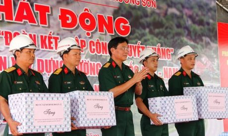 Cao toc Da Nang- Quang Ngai: Phat dong 60 ngay 'quyet thang' ve dich - Anh 7