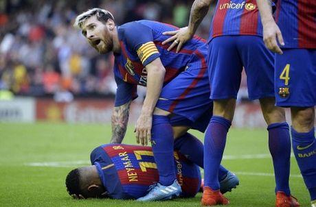 Chu tich La Liga bi kien vi mia mai cau thu Barcelona - Anh 2