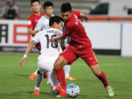 HLV Hoang Anh Tuan: 'Tran dau ket thuc khi U19 Viet Nam bi dan 2 ban' - Anh 1