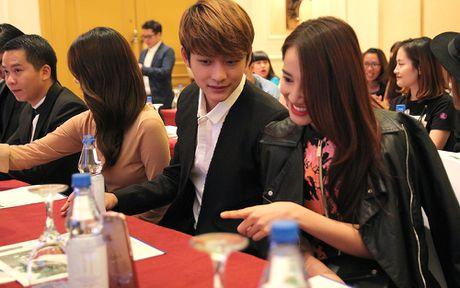 Ngam cap doi Nha Phuong - Kang Tae Oh o le ra mat 'Tuoi thanh xuan 2' - Anh 4