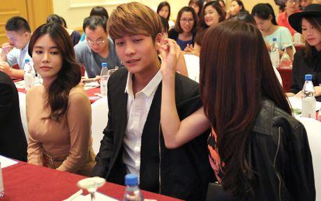 Ngam cap doi Nha Phuong - Kang Tae Oh o le ra mat 'Tuoi thanh xuan 2' - Anh 5