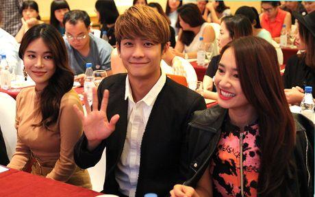 Ngam cap doi Nha Phuong - Kang Tae Oh o le ra mat 'Tuoi thanh xuan 2' - Anh 6