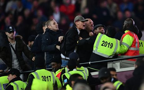 CDV Man City 'tan pha' san Old Trafford sau tran thua dau truoc MU - Anh 9