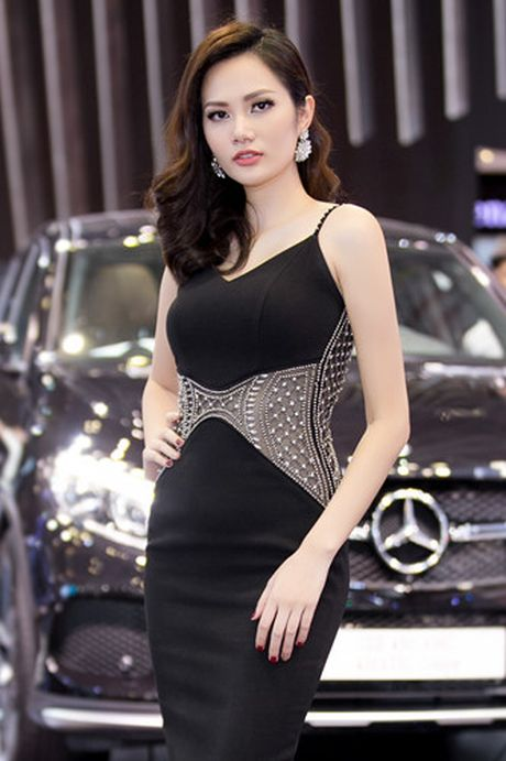 Hoa hau Dieu Linh goi cam ben sieu xe - Anh 2
