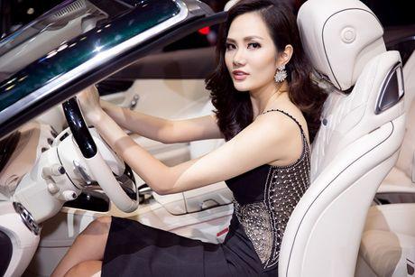 Hoa hau Dieu Linh goi cam ben sieu xe - Anh 5