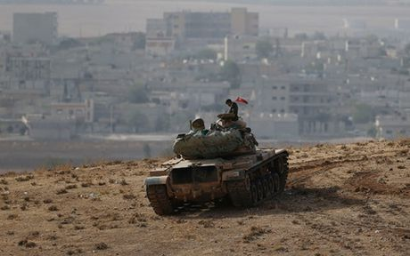 Tho Nhi Ky nham den muc tieu giai phong Raqqa o Syria khoi IS - Anh 1