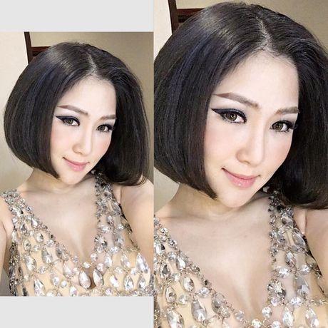 Huong Tram mac vay ngan boc lua khoe noi y 'dot mat' khan gia - Anh 1