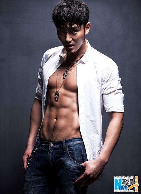Choang voi 'Bao Cong' dien trai, co bap nhat man anh - Anh 13