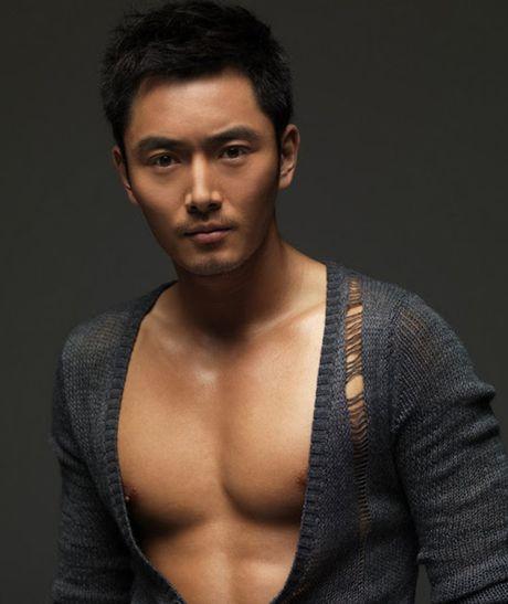 Choang voi 'Bao Cong' dien trai, co bap nhat man anh - Anh 8