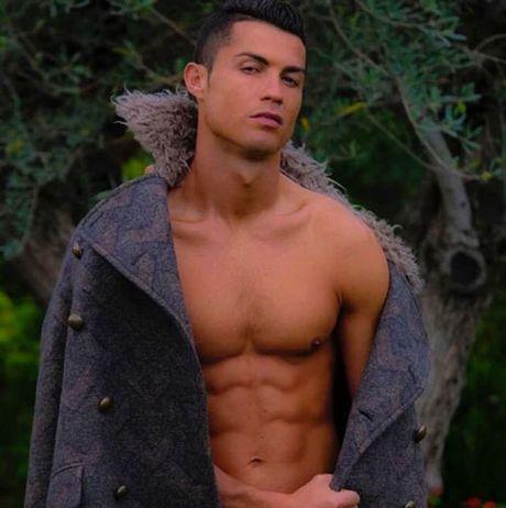 HAU TRUONG (29.10): Ronaldo de doa dan em, Mourinho 'tan pha' nhan tai - Anh 6
