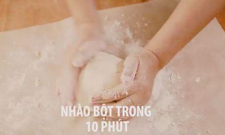 Cac buoc lam pizza cuc ngon bang noi com dien - Anh 4