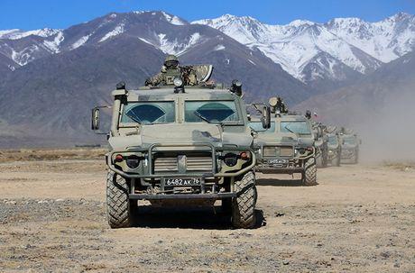 Day la mau xe boc thep danh bai Humvee huyen thoai? - Anh 8