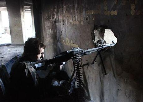 Phe noi day Syria bat ngo phan cong, quyet pha vong vay - Anh 1