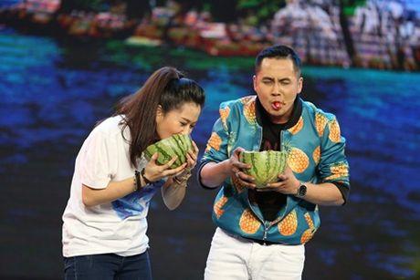 "Dai Nghia bi dan em ""dan mat"" tren san khau - Anh 3"