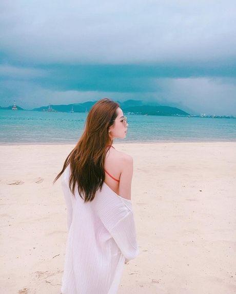 Chi Pu tu tin dien bikini du bi gan mac 'hot girl nguc lep' - Anh 9