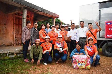 Hoi tieu thuong Vieng Chan Lao di xuyen ngay dem, cuu tro vung lu - Anh 4
