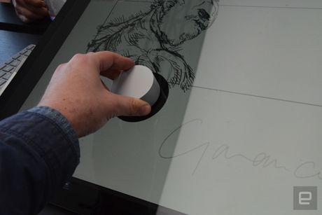Microsoft ra mat Surface Studio 'doi choi' voi iMac cua Apple - Anh 7