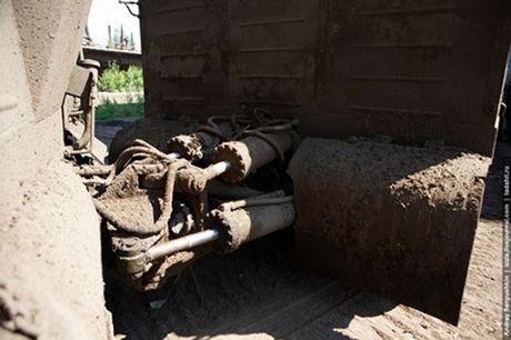 Kha nang dac biet cua 'vua xe dia hinh' banh xich S-300 Vityaz - Anh 19