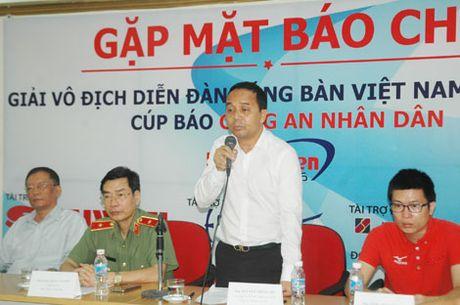 800 VDV tham du Giai vo dich Dien dan bong ban Viet Nam tranh Cup Bao CAND - Anh 3
