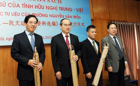 Ra mat cuon sach 'Minh chung tinh huu nghi Viet - Trung' - Anh 3