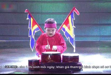 Hoc tro Dong Nhi - Ong Cao Thang dang quang Giong hat Viet nhi 2016 - Anh 3