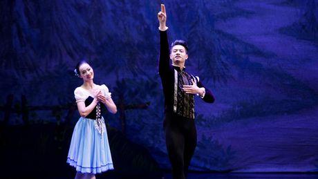 'Hoang tu ballet' Dam Han Giang nhin an de mua - Anh 1