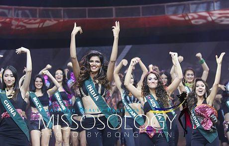 Nam Em lot top 8 Miss Earth - Hoa hau trai dat 2016 - Anh 8