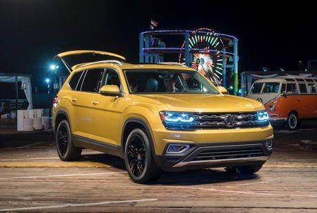 Can canh Volkswagen Atlas 2018 hoan toan moi, doi thu Toyota Highlander - Anh 1