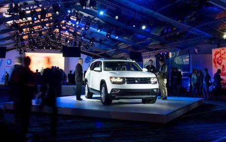 Can canh Volkswagen Atlas 2018 hoan toan moi, doi thu Toyota Highlander - Anh 8