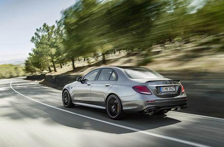 Ra mat 'sieu sedan' Mercedes AMG E 63 2017 nhanh tua sieu xe - Anh 14