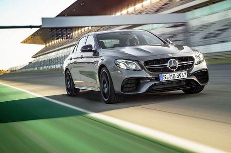 Ra mat 'sieu sedan' Mercedes AMG E 63 2017 nhanh tua sieu xe - Anh 1