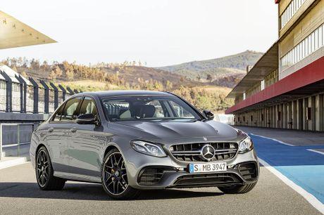 Ra mat 'sieu sedan' Mercedes AMG E 63 2017 nhanh tua sieu xe - Anh 2