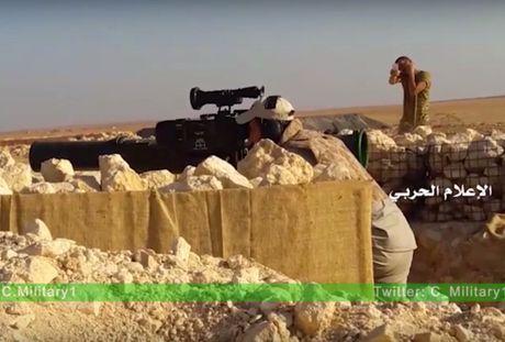 Video chien su Aleppo: Quan doi Syria co danh chan tan cong thanh chien - Anh 1