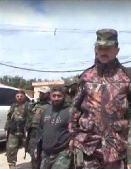 Chien su Aleppo: 'Ho Syria' xuat binh tiep ung - Anh 1