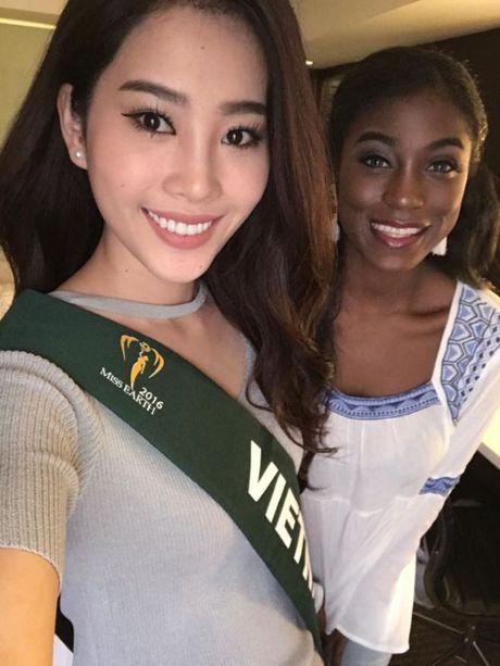 Dung chan tai Top 8 nhung Nam Em da toa sang nhu the nay tai Miss Earth 2016 - Anh 3