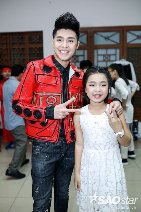 Mac ap luc, Noo Phuoc Thinh van cu dang yeu trong hau truong Chung Ket The Voice Kids - Anh 4