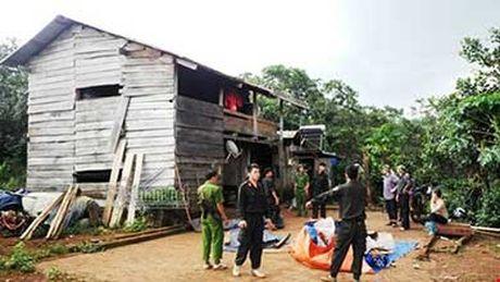 Vu no sung 3 nguoi chet o Dak Nong: Bi can ra dau thu - Anh 4