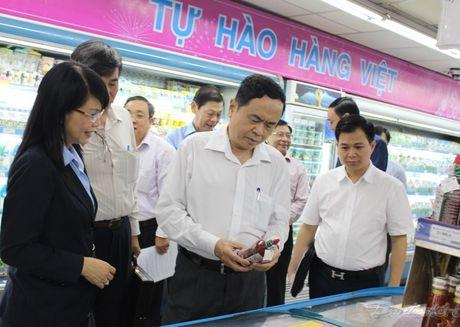 Nang cao nhan thuc ve hang Viet doi voi nguoi dan - Anh 6