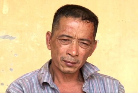 Lai xe ba gac cho hang lau chem canh sat bi thuong - Anh 1