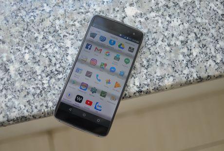 Anh thuc te BlackBerry DTEK60 sap ve Viet Nam - Anh 2