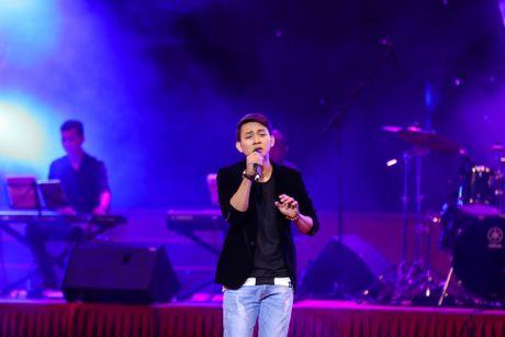 MC Nguyen Cao Ky Duyen 'muon lam vo 5 cua Che Linh' - Anh 10